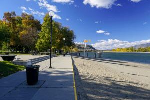 Riverside Park & Waterfront Park